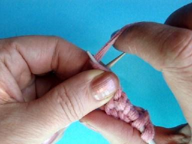 изнаночная петля, английский метод, вязание спицами, видео урок вязания